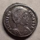 Photo numismatique  Monnaies Empire Romain HELENE, HELENA Follis, folles,  HELENE, HELENA, follis ou nummus Trèves en 326, Securitas Reipublice, 19-20 mm, 2,88 grms, RIC.481 TTB+/SUPERBE