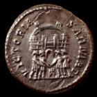 Photo numismatique  Monnaies Empire Romain Maximianus Heculius, Maximien Hercule Argenteus, argentei MAXIMIANUS Herculius, MAXIMIEN Hercule, argenteus Ticinum en 295, VICTORIA SARMAT, 19,2mm, 2,86 grms, RIC 16b petite félure sinon SUPERBE à FDC