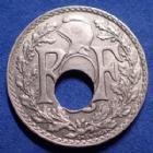 Photo numismatique  Monnaies Monnaies Françaises Monnaies Fautées 10 centimes Lindauer fautée trou décalé 10 Centimes Lindauer 1922, fautée, trou décalé, SUP