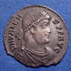 Photo numismatique  Monnaies Empire Romain VALENS SILIQUE, SILIQUA VALENS, silique Rome, avec la légende de revers VRBS ROM !! Semble inédit avec ROM au lieu de ROMA!, 17mm, 1,16 grms, ébrêchée sinon TTB+ R!R
