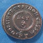 Photo numismatique  Monnaies Empire Romain CRISPUS, CRISPE, CRISPO Follis ou Nummus CRISPUS, CRISPE, follis ou nummus Ticinum en 322-325, Dominor Nostrorvm Caess, VOT X, 18-19mm, 3,40 grms, RIC 170 SPL beau style de portrait!