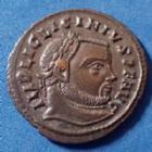 Photo numismatique  Monnaies Empire Romain LICINIUS I, LICINIO I,  Follis réduit LICINIUS Ie, follis réduit Siscia en 313-315, IOVI CONSERVATORI, 21mm, 3,71 grms, RIC.8 SPL beau style !!