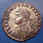 Photo numismatique  Monnaies Empire Romain Constantius II, Constance II Follis ou Nummus CONSTANTIUS II, CONSTANCE II, Caesar, follis ou nummus Alexandria en 327-328, PROVIDENTIAE CAESS, 18mm, 3,06 grms, RIC.47 R3! SPL avec restes d'argent