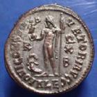 Photo numismatique  Monnaies Empire Romain LICINIUS I, LICINIO I,  Follis réduit LICINIUS Ie, follis ou nummus, Alexandria en 316-317, IOVI CONSERVATORI AVGG, 21mm, 3,27 grms, RIC.18 SPL Argenture!