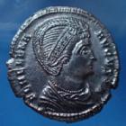Photo numismatique  Monnaies Empire Romain Helena, Hélène Follis ou Nummus HELENA, HELENE, nummus Trèves, Trier, Treveri en 327-328, SECURITAS REIPUBLICE, 19mm, 2,95 grms, RIC.508 SUP