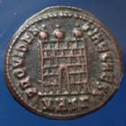 Photo numismatique  Monnaies Empire Romain CRISPUS, CRISPE, CRISPO Follis ou Nummus CRISPUS, Nummus Heracléa en 317, buste consulaire, porte de camp, 19mm, 3,46 grms, RIC.18 TTB+