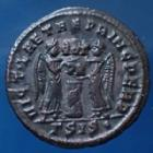Photo numismatique  Monnaies Empire Romain LICINIUS I, LICINIO I,  Follis ou Nummus LICINIUS Ie, nummus Siscia en 319-320, Vict Laetae Princ Perp, 19mm, 3,20 grms, RIC.103 R4! P.SUP
