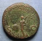 Photo numismatique  Monnaies Empire Romain NERON, NERO As, asse,  NERON (Nero) as frappé à Rome en 65, victoire tenant un bouclier, Cohen 288 TB à TTB