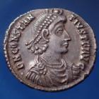 Photo numismatique  Monnaies Empire Romain Constantius II, Constance II Silique lourde, Siliqua CONSTANTIUS II, CONSTANCE II Auguste, silique Sirmium en 355-361, Votis xxx Multis xxxx, 21mm, 3,23 grms, RIC.66 Q.SUPERBE