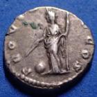 Photo numismatique  Monnaies Empire Romain ALBIN, CLODIUS ALBINUS, CLAUDIO ALBINO Denier, denar, denario, denarius CLODIUS ALBINUS, ALBIN, denier Rome en 193, Provid Aug Cos, 17mm, 3,59 grms, RIC.1a Flan court sinon TTB+/TTB