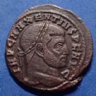 Photo numismatique  Monnaies Empire Romain MAXENCE, MAXENTIUS, MAXENTIO Follis, folles,  MAXENTIUS, MAXENCE, follis Rome en 308 - 310, Rome assise dans un temple à six colonnes, 24/25mm, 6,71 grms, RIC 212 P.SUP