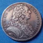 Photo numismatique  Monnaies Jetons Louis XV, jeton, Trésor Royal Jeton rond en argent LOUIS XV, jeton rond en argent de 29,2mm, Trésor Roya 1736l, par DUVIVIER F.2044, 7,44 grms, belle patine ! TTB+