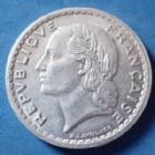 Photo numismatique  Monnaies Monnaies Françaises 4ème république 5 francs Lavrillier aluminium 5 francs Lavrillier 1947 B en aluminium, Gad.766a quelques traces sinon P.SUP