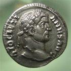 Photo numismatique  Monnaies Empire Romain DIOCLETIEN, DIOCLETIANUS, DIOCLETIAN, DIOCLETIANO Argenteus, argentei DIOCLETIANUS, DIOCLETIEN, argenteus frappé à Ticinium en 294, C.516 variante TTB+