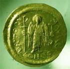 Photo numismatique  Monnaies Monnaies Byzantines 6ème siècle Solidus, solidii IUSTINIANUS I, JUSTINIEN Ier, solidus frappé à Constantinople, 4.41 grammes, S.139 TTB+
