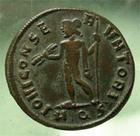 Photo numismatique  Monnaies Empire Romain LICINIUS I, LICINIO I,  Follis réduit LICINIUS Ier, follis réduit frappé à Aquilé (aquilea), Iovi conservatori, Cohen 90 variante TTB à SUPERBE