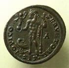 Photo numismatique  Monnaies Empire Romain LICINIUS I, LICINIO I,  Follis, folles,  LICINIUS I, Follis frappé à Siscia, Iovi conservatori, restes d'argenture! RIC.17 SUPERBE+