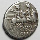 Photo numismatique  Monnaies R�publique Romaine Lucretia 136 avant jc Denier, denar, denario, denarius CN.LUCRETIUS TRIO, Denier 136 avant Jc, t�te casqu�e de Rome, les dioscures, 3.68 Grms, RSC.1 TB � TTB