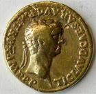 Photo numismatique  Monnaies Empire Romain CLAUDE I, CLAUDIUS I, CLAUDIO I, CLAUDIUS, CLAUDIO Aureus, aurei CLAUDIUS I, CLAUDE Ier, aureus frappé à Lyon en 41.42, Paci Augustae, 7,31 grammes, RIC.9, coups avers et revers sinon TB à TTB