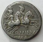 Photo numismatique  Monnaies R�publique Romaine Minucia 122 avant Jc Denier, denar, denario, denarius Q.MINUCIUS RUFUS, Denier 122 avant Jc, les Dioscures � cheval et au galop, 3.66 grammes, RSC.Minucia 1, TB � TTB