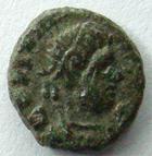 Photo numismatique  Monnaies Peuples Barbares Ostrogoth AE, AES, Bronze OSTROGOTH, AE 8/9 mm, imitation du monnayage de la fin de l'empire Romain, 5ème siècle après Jc, 0.53 grammes, TTB Rare!R!