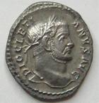 Photo numismatique  Monnaies Empire Romain DIOCLETIEN, DIOCLETIANUS, DIOCLETIAN, DIOCLETIANO Argenteus, argentei DIOCLETIANUS, DIOCLETIEN, argenteus, Trêves (Trier, Treveri) en 294.305, Virtus Militum, D, 3.01 grammes, RIC.109a TTB+