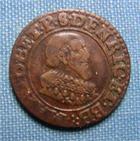 Photo numismatique  Monnaies Monnaies F�odales Berri Double Tournois BERRI, MAXIMILIEN I DE BETHUNE 1636, double tournois, pas de point entre Maxi et D, Bd 336 variante, bon TTB Rare! R!