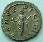 Photo numismatique  Monnaies Empire Romain GORDIEN III, GORDIAN III, GORDIANUS III, GORDIANO III Denier, denar, denario, denarius GORDIANUS PIUS, GORDIEN III le Pieux, Denier, Rome en 238.244,2.61 grammes, RIC.131 (R!) SUPERBE