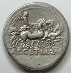 Photo numismatique  Monnaies République Romaine Claudia 110 avant Jc Denier, denar, denario, denarius APPIUS CLAUDIUS PULCHER, MANLIUS et Q.URBINUS, Denier, Rome en 111.110 avant Jc, victoire conduisant un trige, RSC.Claudia 2 TTB