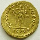 Photo numismatique  Monnaies Monnaies Byzantines 6ème siècle Tremissis ANASTASIUS, ANASTASE, trémissis or, 565.578 Constantinople, 1.47 grammes, R.765 traces à l'avers et au revers sinon SUPERBE/TTB