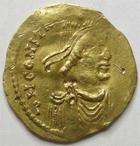 Photo numismatique  Monnaies Monnaies Byzantines 7ème siècle Tremissis CONSTANTINUS IV, CONSTANTIN IV, tremissis, Constantinople en 668.685, 1.45 grammes, Sear.1162 Variante TB à TTB