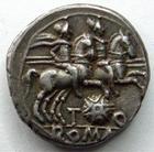 Photo numismatique  Monnaies R�publique Romaine Quinctia 126 av Jc Denier, denar, denario, denarius T.QUINCTIUS FLAMININUS, Denier, Rome en 126 avant Jc, Dioscures et bouclier Mac�doninen, 3.98 grms, RSC.2 SUPERBE Patine!