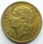 Photo numismatique  Monnaies Monnaies Françaises Gouvernement Provisoire 5 Francs 5 francs Lavrillier cupro-aluminium, 1945 C, G.761a TTB+ patine dorée!