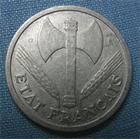 Photo numismatique  Monnaies Monnaies Françaises Etat Français 2 Francs 2 Francs type Bazor, 1944 B, aluminium, Gadoury 536 TTB