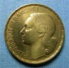 Photo numismatique  Monnaies Monnaies Françaises 4ème république 50 Francs 50 Francs type Guiraud, 1952 B, bronze-aluminium, Gadoury 880 TTB (néttoyé)