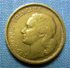 Photo numismatique  Monnaies Monnaies Françaises 4ème république 10 Francs 10 Francs type Guiraud, 1950 B, bronze-aluminium, gadoury 812 TTB