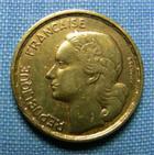 Photo numismatique  Monnaies Monnaies Françaises 4ème république 10 Francs 10 Francs type Guiraud, 1954 B, bronze-aluminium, Gadoury 812 TTB